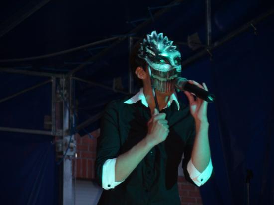 """chanson """"Tatoue-moi"""" à Loison le 24 juin 2011"""